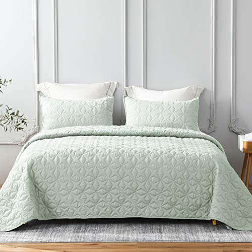 Whale Flotilla Quilt Set King Size, Soft Microfiber Lightweight Bedspread Coverlet Bed Cover (Star Pattern) for All Seasons, Light Aqua, 3 Pieces (Includes 1 Quilt, 2 Shams)