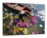 Pixxprint Wasserlilienernte mit Boot in Vietnam als
