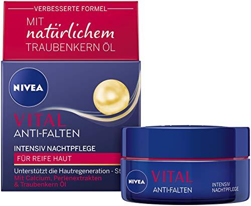 NIVEA VITAL Intensiv Nachtpflege (50 ml), reichhaltige Feuchtigkeitspflege mit Calcium, Perlenextrakten & natürlichem Traubenkern Öl, Regeneration der Haut über Nacht