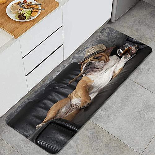 Waschbarer Küchenteppich,Humorvolle englische Bulldogge, die in einem schwarzen Ledersessel mit Einer Z,Rutschfester weicher superabsorbierender Matten-Teppich für Küchentür Badezimmer 47.2