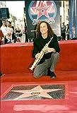 Foto vintage del músico y saxofonista estadounidense Kenny G's Star on Hollywood Walk of Fame