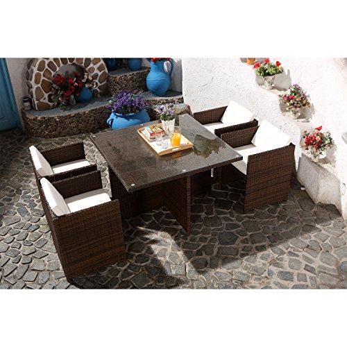 CONCEPT USINE - Salon De Jardin Miami 4 Personnes en Résine Tressée Marron Poly Rotin - 1 Table en Verre - 4 Fauteuils - Coussins Blanc - Encastrable, Résistant, Imperméable