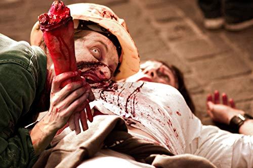 Mani e braccia umane, parti del corpo morte e sanguinanti. Decorazioni di Halloween per la casa. 2 pezzi (sinistra e destra).