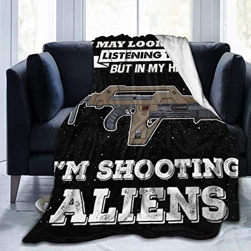 haoqianyanbaihuodian Manta de franela de forro polar con texto en inglés 'May Look Like Im Shooting Alien', ligera, ultrasuave, cálida, apta para sofá