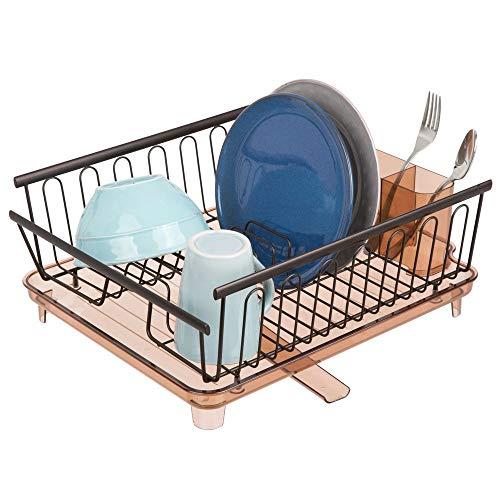 mDesign Escurridor de platos con bandeja de goteo - Bandeja escurreplatos para encimera o fregadero de la cocina - Secaplatos con desagüe giratorio de metal y plástico - color cobre y transparente