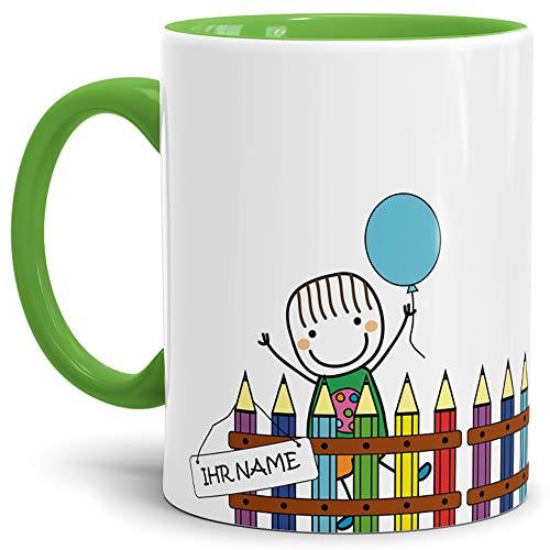 Einschulungs-Tasse Junge am Zaun - ABC-Schütze/Schule/Kind / 1. Klasse/Geschenk zur Einschulung/Schul-klasse/Personalisiert/mit Name/Innen & Henkel Hellgrün