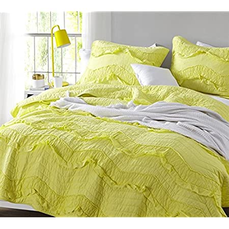 Amazon Com Byourbed White Relaxin Chevron Ruffles Quilt Single Tone Oversized Twin Xl Home Kitchen