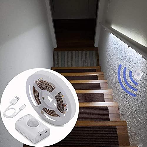 KOLANDY 人感 LEDテープライト 1.5m 高輝度 LEDテープ USB 6000K 部屋ライトテープ 充電式 高演色 自動点灯 消灯 廊下用間接照明テープライト 薄型 切断可能 取付簡単 家庭用 寝室/ベッドの下/玄関/階段/キッチン/棚下/看板照明 装飾用ledライト