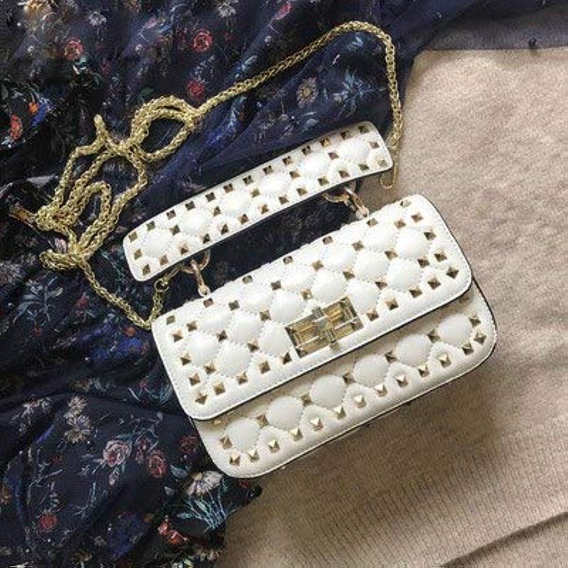 アンビエント一元化する裂け目LPP100% シープスキンレザーファッションショルダーバッグ高品質リベットクロスボディバッグ高級ハンドバッグの女性のバッグデザイナーの日のクラッチ小銭入れ 小さい