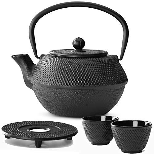 Bredemeijer Teekanne asiatisch Gusseisen Set schwarz 1,1 Liter mit Tee-Filter-Sieb mit Untersetzer und Teebecher (2 Tassen) schwarz