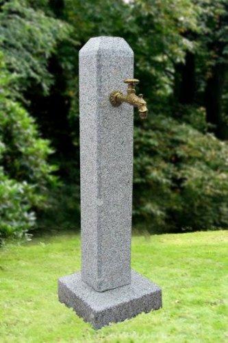 Troester's Brunnenwelt Petronell Grau (101 cm Hoch, 75 kg) mit Wasserhahn und Verrohrung,Wassersäule aus echtem frostsicherem Granit, perfekt für Ihren Garten
