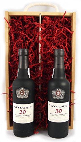 Taylor Fladgate 50 years of Port (35cl) Wooden Box en una caja de madera con cuatro accesorios de vino