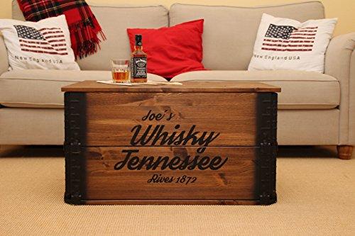 Uncle Joe´s Truhe Whisky Couchtisch Truhentisch im Vintage Shabby chic Style aus Massiv-Holz in braun mit Stauraum und Deckel Holzkiste Beistelltisch Landhaus Wohnzimmertisch Holztisch nussbaum