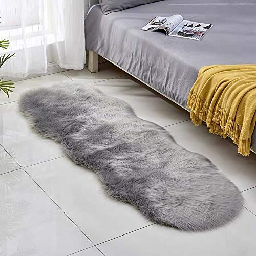 Wuudi Faux Lammfell Schaffell Teppich, Lange Haare Hochflor Lammfellimitat Teppich Bettvorleger Sofa Matte (60 X 180 cm, Grey)