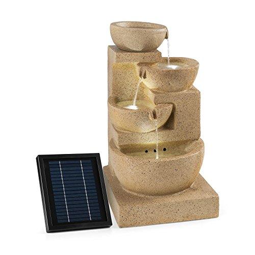 Blumfeldt Korinth Zierbrunnen - Gartenbrunnen, stimmungsvolles Wasserspiel, Solarbetrieb, 3 Watt Solar LED, Pumpe, 4 Etagen, 250 l/h Wasserfluss, Innen- oder Außenbereich, Sandsteinoptik