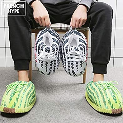Chaussons Sneakers Styl/é et Confortable Taille Unique 36 au 43 pour Homme et Femme Basket -Pantoufles Style Yeezy en 3 Couleurs Cadeau FRENCH HYPE Pantoufles Sneakers