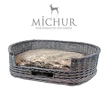Michur Grace, (ca.): 90x65x25cm(Kissen (Liegefläche):85x60x7cm, Einstieg: 13cm hoch), Hundebett / Hundekorb Weide Grau. Das Modell Grace ist aus Weide – geflecht gefertigt. Zu jedem Körbchen wird ein Kissen geliefert. Michur Körbchen aus Weide für Hu...