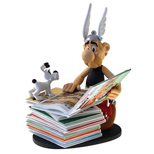 Plastoy SAS PLA00128 Asterix sitzt auf Bücherstapel Neuauflage, Mehrfarbig