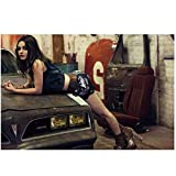 KONGZIR Mila Kunis - Sexy Schauspielerin Sprecherin Poster