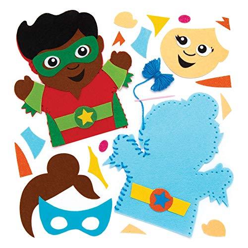 Baker Ross Kit Cucito Marionette da Mano con Supereroi per Bambini (Confezione da 4) - Modelli e Decorazioni in Feltro da Cucire per Bambini, Colori Assortiti