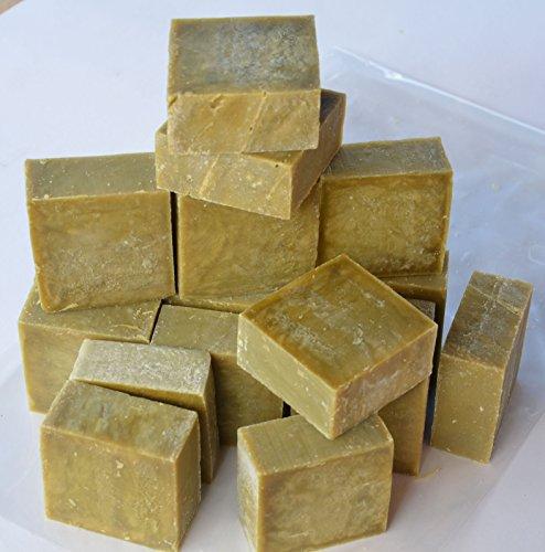 Lot de 15 à 18 savons de Marseille brut EXTRA PUR à l'huile d'OLIVE. Issus d'une barre brut coupée en savonnettes de 80g-100g, poids 1.4 kg - Sans huile de palme - Le Serail à Marseille depuis 1949