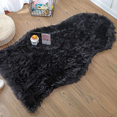 DAOXU Fell Lammfell Schaffell/Sheepskin Rug, Lammfellimitat Flauschigen Teppiche Imitat Kunstfell,Langes Hair Nachahmung Wolle Bettvorleger Sofa Matte (Schwarz, 75 x 120 cm)
