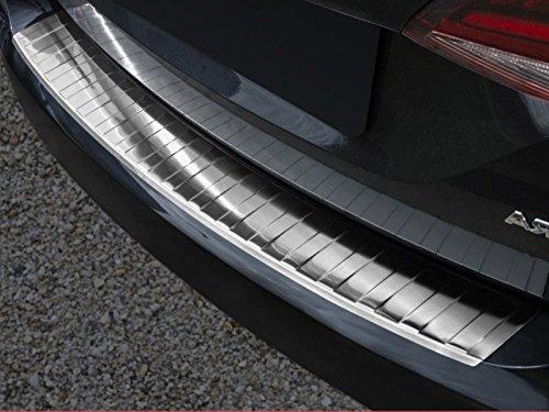 Fahrzeugspezifischer Ladekantenschutz aus Edelstahl mit 3D Abkantung AZUGA AZ29000089