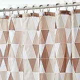 mDesign Duschvorhang aus wasserabweisendem Stoff – beschwerte Duschgardine für Dusche & Badewanne mit 183 cm x 183 cm – langlebiges Badzubehör mit verstärkten Löchern – braun
