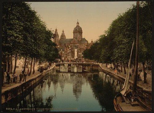 INFINITE PHOTOGRAPHS Photo: Voorburgwal & Nicolaaskerk, Amsterdam