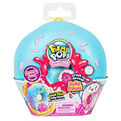 Includes 1 medium-size sweet scented donut plush, 1 medium-size collectable donut case, 3 surprise items and a cute and squishy Jelly Pikmi. Crack the centre of the donut to reveal a cute and squishy Jelly Pikmi hidden inside. There are over 40 sweet...