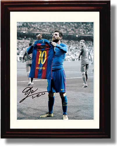 Framed Lionel Messi Autograph Replica Print - #10 Jersey - Spanish Club Barcelona