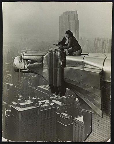 Foto: Margaret Bourke-White encima del edificio Chrysler, Nueva York, Nueva York, c1932, gárgola