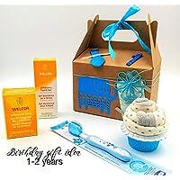 """Canastilla Ecológica WELEDA """"BLUE VIP Birthday Box""""   Regalo para Niños de 1 año y 2 años   Ideal para Cumpleaños   Personalízalo con el Nombre y los Años que cumple el Niño!   Versión AZÚL, para NIÑOS"""