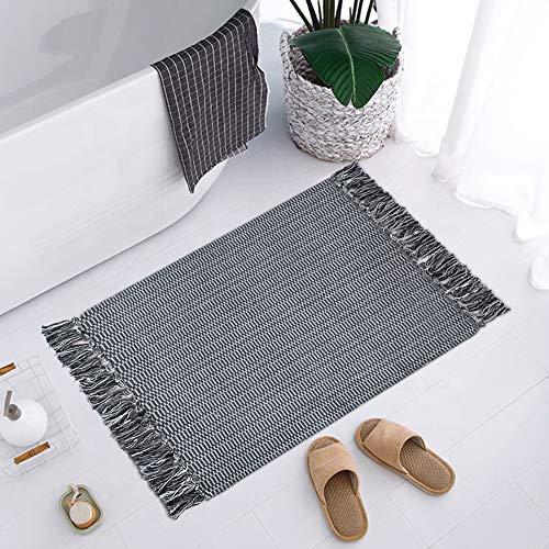 35 Best Boho Bathroom Rugs