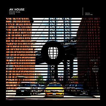 Av. House