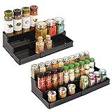 mDesign Juego de 2 Especiero extensible para armario de cocina – Estante para especias idóneo como organizador de condimentos, salsas o artículos de pastelería – Anchura adaptable, tres niveles, negro