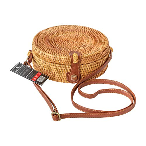 ✅ A MUST-HAVE ITEM - This round rattan purse bag should be in every fashionista's closet. It is a blend of old and new fashions, adding a refreshing touch to your outfit. ✅ NO TWO BAGS ARE ALIKE - From natural, non-toxic rattan, the skillful Vietname...