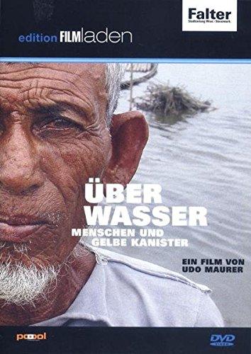 Über Wasser: Menschen und gelbe Kanister