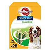 Pack de 28 Dentastix Fresh de uso diario para la limpieza dental de los perros y contra mal aliento, para perros medianos (Pack de 4)