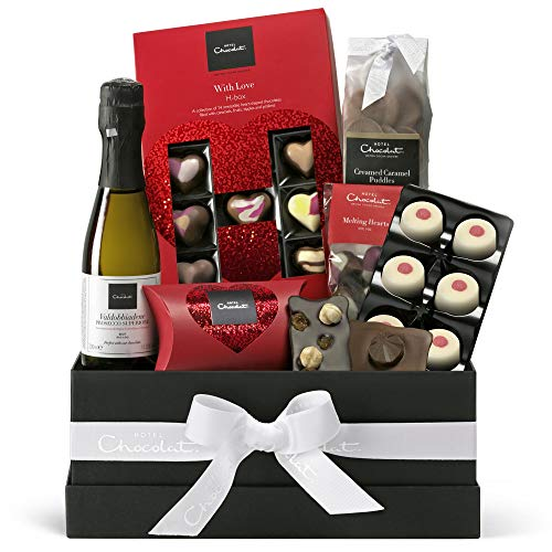 Hotel Chocolat The Way to Your Heart Hamper, Chocolate Selection, Chocolate Valentine's Gift, 676 g