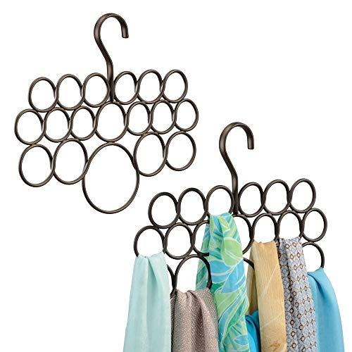 mDesign appendi sciarpe – funzionale organizer armadio in metallo – ideale gruccia da armadio per sciarpe, foulard e cinture – 18 pratici anelli – confezione da 2 pezzi – colore: bronzo