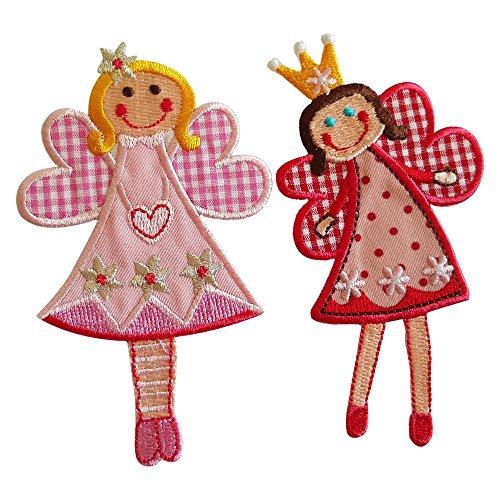 Cuota De Sophie 11X7Cm Cuota De Jilly 11X7Cm Fee Sophie hada, en su versión de tonos rojos, luce una linda sonrisa y pequeños ojos azules Dulce hada sonriente de alas extendidas y color rosa, que representa la magia de los sueños infantiles