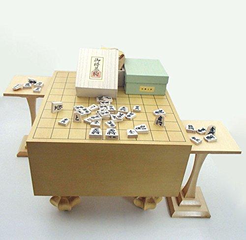 堂々のフル将棋盤3点セット 常識を破ったエコ足付将棋盤5寸と木製白椿上彫将棋駒に駒台付