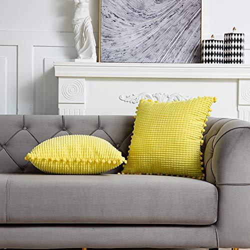 DEZENE 40x40cm Fundas de Almohada Decorativas con Pompones - Amarillo Cuadrado Paquete de 2 Fundas de Cojín de Granos de Maíz Grande a Rayas de Pana para Sofá de Granja