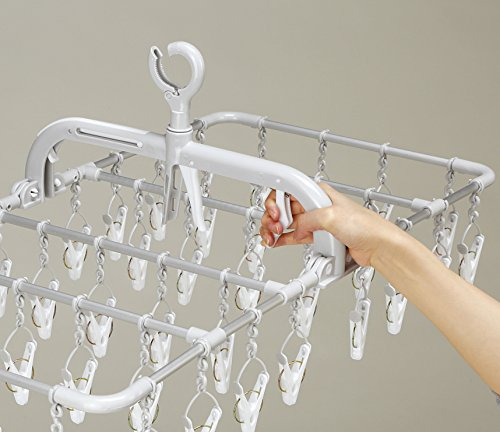 洗濯物の取り込みって面倒ですよね。そんなお悩みを解決してくれるのがこちらのピンチハンガー。洗濯物を引っ張るだけで取り込みがまとめてできる優れもの。