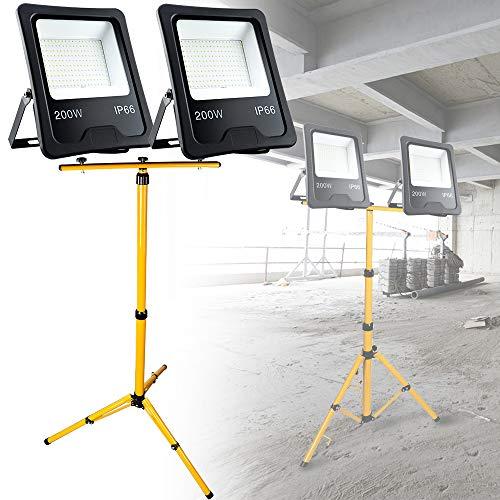 LZQ 2x 200W LED Strahler Superhell Flutlicht IP66 Wasserdicht LED Fluter 3000 Kelvin Warmweiß Außenstrahler Flutlichtstrahler Scheinwerfer Licht mit 150cm Gelb Teleskop Stativ für LED Fluter