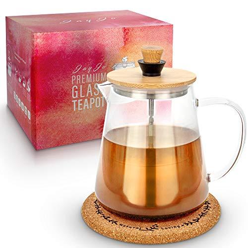 Jay Jo Premium Teekanne aus Glas mit Siebeinsatz (0,95 Liter) und Korkuntersetzer – das hochwertige rostfreie und feine Sieb aus Edelstahl lässt sich nach der Teeziehzeit leicht heben