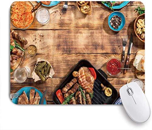 Benutzerdefiniertes Büro Mauspad,Appetitlich gegrillte Steakwürste und gegrilltes Gemüse auf einem hölzernen Picknicktisch,Anti-slip Rubber Base Gaming Mouse Pad Mat