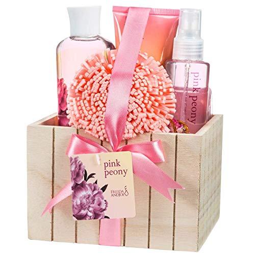 Pink Peony Badeset für Damen, komplette Hautpflegeprodukte in schönem Naturholz-Pflanzkasten, ein romantisches Spa inkl. Bodylotion, Duschgel, Schaumbad, Körperspray, Badeschwamm