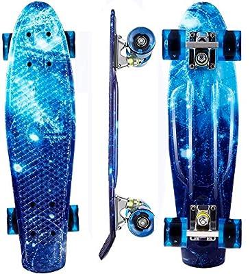 Hiriyt Mini Cruiser Skateboard 22 Zoll Fishboard FÜR Anfänger Jugendliche Und Erwachsene - Tragbares Mini Skateboard 4 Ledteile Erleuchten Das Glatte PU Rad
